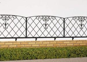 レンガ積外構によくあう鋳物フェンス