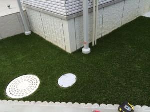 人工芝はきれいに敷けました