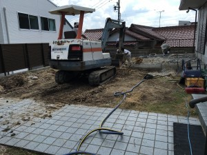お庭の掘削