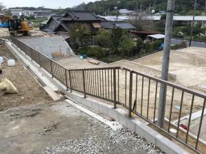 傾斜地フェンス