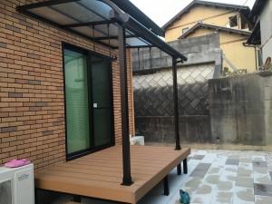 ウッドデッキ上のテラス屋根